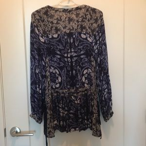 Free People Tops - Free people blue & white long sleeve Tunic size s